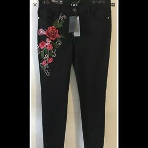 Buffalo David Bitton embroidered floral jeans sz26